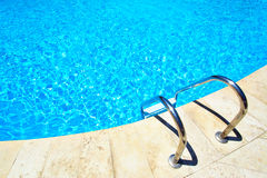 Swimmingpool Lizenzfreie Stockfotos