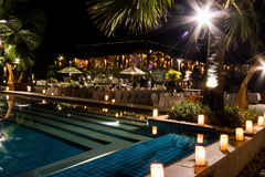 Swimmingpool bis zum Nacht Lizenzfreie Stockfotografie