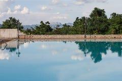 Swimmingpool der schönen Aussicht Lizenzfreie Stockbilder
