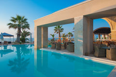 Swimmingpool des Luxushotels Lizenzfreies Stockbild