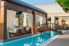 Swimmingpool des Luxushotels Stockfoto