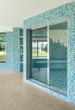 Swimmingpool, Detail, Tür Stockfotos