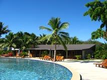 Swimmingpool in einer Rücksortierung Lizenzfreie Stockbilder