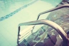 Swimmingpool (gefiltertes Bild verarbeitetes Weinlese-EFF stockfotografie