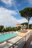 Swimmingpool im Hotel. Italien Lizenzfreies Stockbild