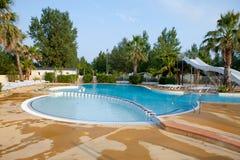 Swimmingpool mit Plättchen Stockfoto