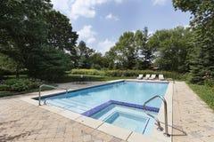 Swimmingpool mit Sauna Stockfotos