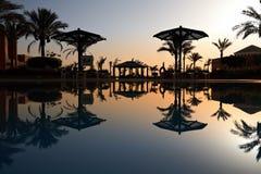 Swimmingpool am Morgen Stockbild