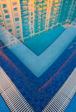 Swimmingpool am Sonnenaufgang Stockbilder