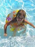 Swimmingpool-Spaß Lizenzfreies Stockbild