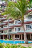 Swimmingpool und Badekurortgebiet Tropische Feiertage Stockbilder