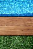Swimmingpoolhintergrund Lizenzfreie Stockfotos