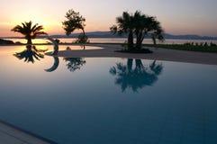 Swimmingpoolsonnenuntergang Stockfoto