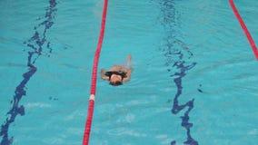 Swimmingpoolwege stock video footage