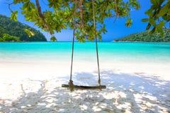 Swing på stranden Royaltyfri Fotografi