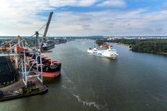 SWINOUJSCIE,波兰, 2017年9月20日- :团结线操作在Swinoujscie之间a波兰港的一个全年轮渡服务  库存图片