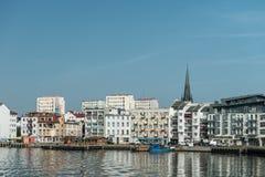 Swinoujscie - sikt från port Arkivfoton