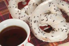 Swirl buns and tea Stock Photography