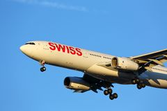 Swiss Airlines Airbus chega em Chicago Imagem de Stock