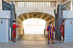 Swiss Guard guarding the entrance to the Vatican Stock Photos