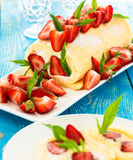 Swiss roll cake with strawberries Stock Photography