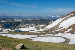 Switchback в горах Beartooth стоковая фотография rf