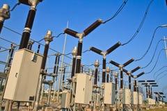 Switchyard und Elektrizität Stockfotografie