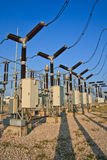 Switchyard und Elektrizität Lizenzfreies Stockfoto