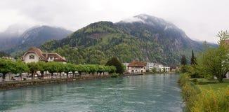 Switzerland, Interlaken. vista de um rio pequeno foto de stock royalty free