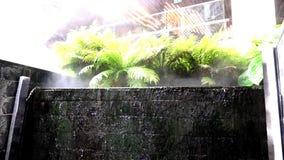 swobodny ruch Siklawa i mgła przy shoping centrum handlowym zdjęcie wideo