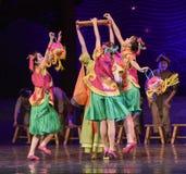"""Swooping no sonho do """"The do drama da delicioso-dança das bolas de arroz do  de seda marítimo de Road†Imagens de Stock"""