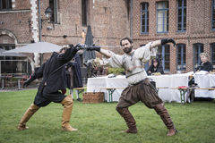 Swordfighting medievale Immagini Stock