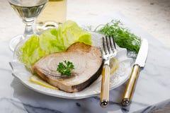 Swordifish et salade rôtis Image libre de droits