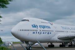 SX-FIN - Fret aérien exprès de ciel de Boeing 747-200CF Photos stock