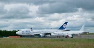SX-FIN - Uttrycklig flygfrakt för Boeing 747-200CF himmel Royaltyfri Bild