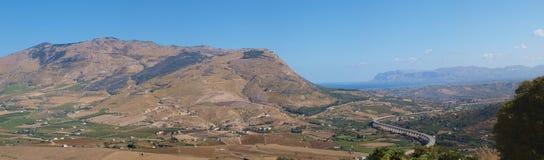 Sycylijska górzysta wieś, Segesta, Sicily, Włochy obrazy royalty free