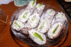 Sycylijski cannoli dla gościa restauracji fotografia stock