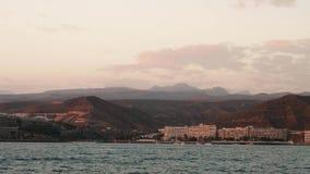 Sydkust av Gran Canaria Sikt från fartygsegling i havet arkivfilmer