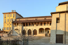 Sydlig loggia på abbotskloster av Morimondo, Milan, Italien Arkivfoton