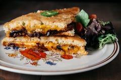 Sydlig stil grillad ostsmörgås Arkivbilder