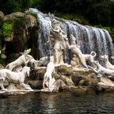 Sydliga Italien - CASERTA, Parco della Reggia Royaltyfri Bild
