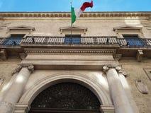 _ Sydliga Italien 11-12-2017: Historisk byggnad av Bancapugliaen Royaltyfri Foto
