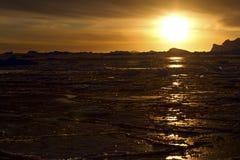 Sydligt hav för vinter nära den antarktiska halvön Arkivfoto