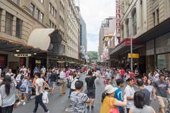 Sydney, Austrália - 26 de dezembro de 2015: Multidão de povos no fá Imagens de Stock