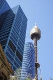 SYDNEY, AUSTRALIË - 15 Sept., 2015 - Mening van Sydney Tower, de langste structuur in de stad Stock Afbeelding