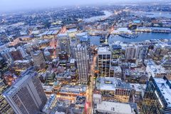 """Sydney, Australia †del †""""il 10 ottobre 2017 """"la vista della città di Sydney alla notte dalla torre di Sydney Fotografie Stock"""