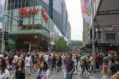 Sydney, Australia - 26 de diciembre de 2015: Muchedumbre de gente en el fa Fotografía de archivo