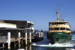 SYDNEY,AUSTRALIA MARCH 13th: The ferry Narrabeen arriving at Mna Stock Images