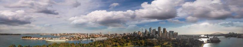 Sydney, Australia Vista aérea del puerto de la ciudad con los edificios imagenes de archivo