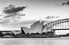 SYDNEY AUSTRALIA, Wrzesień 10 -, 2015: Czarny i biały Sydney Oper Zdjęcia Stock